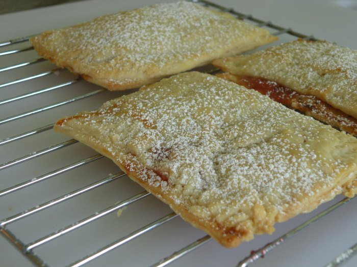 Strawberry, rhubarb and orange mini pop tarts