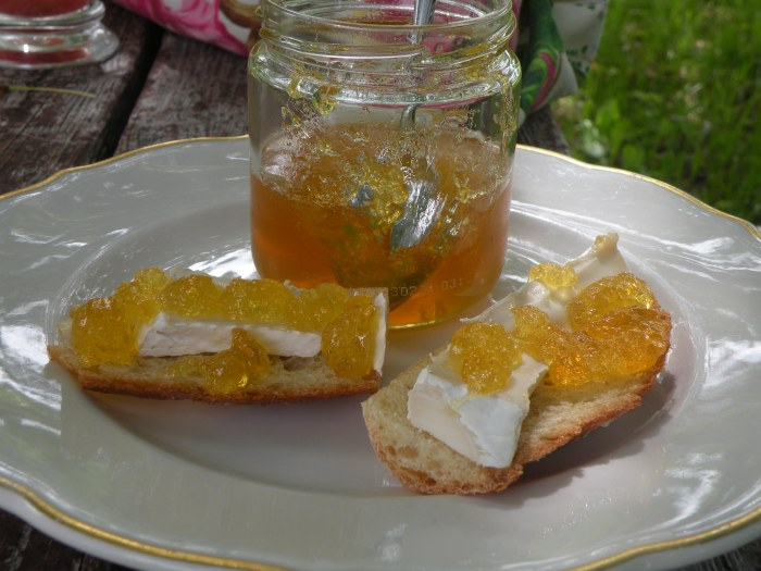 Dandelion Nectar, Goat Brie and Warm Bread